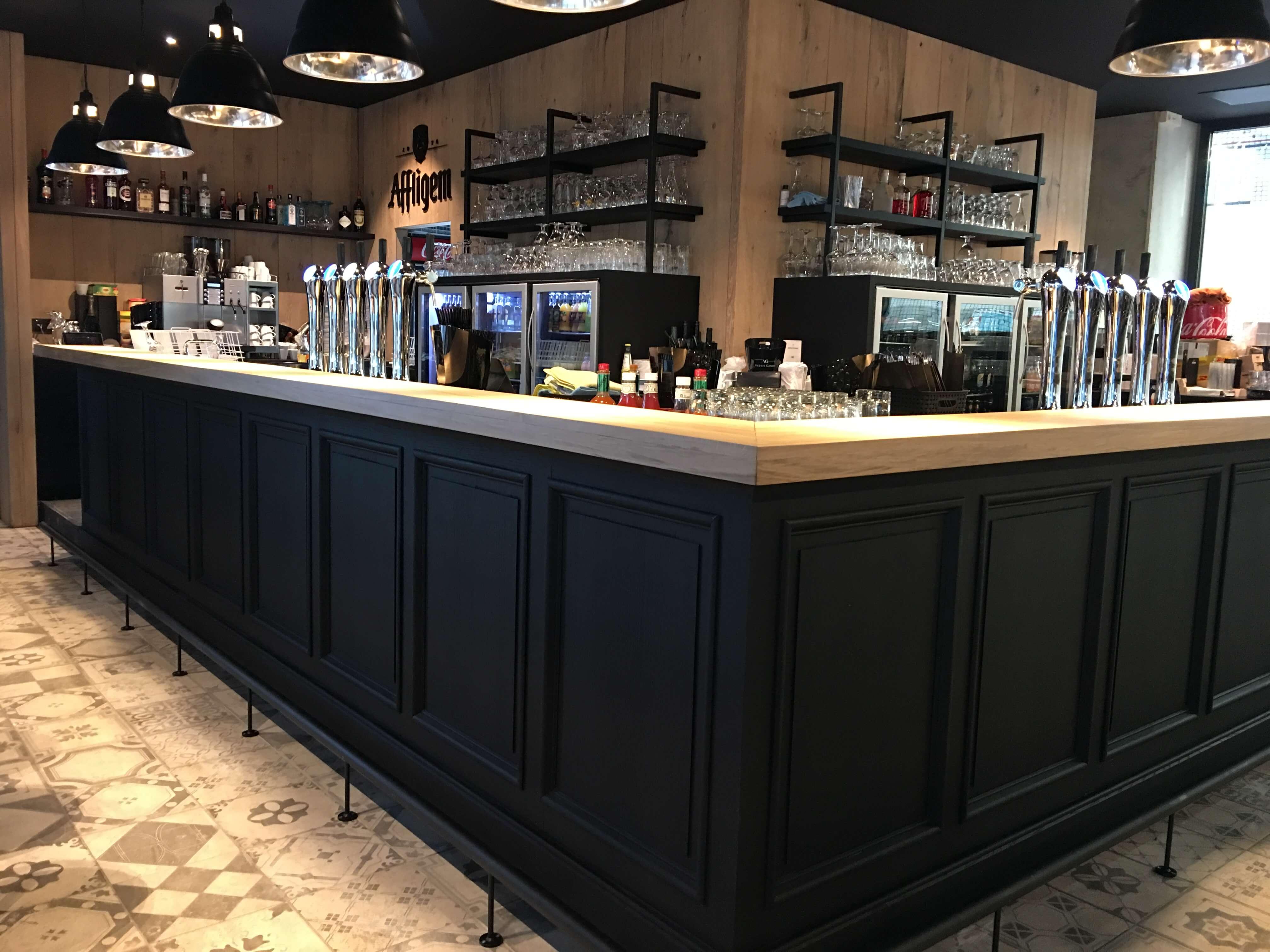 Brasserie Bar De Looyerij te Aalst helper