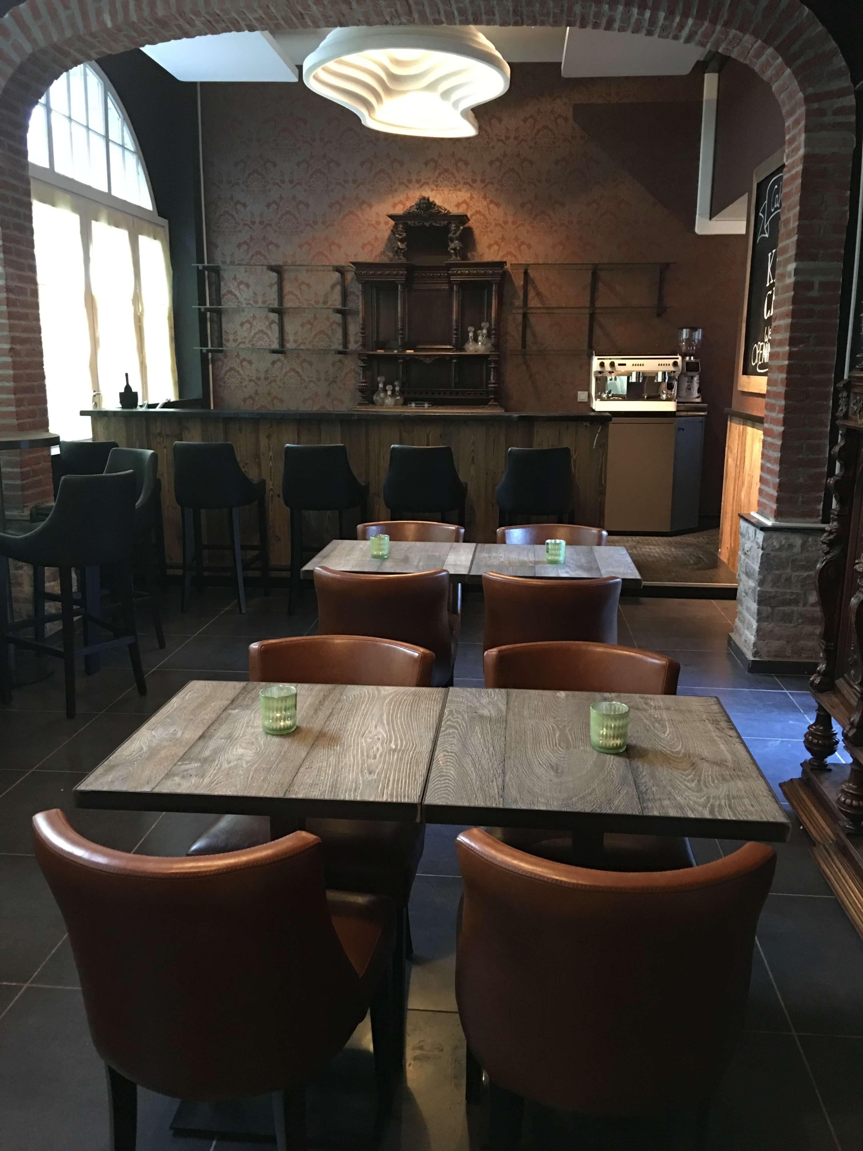 Wine Bar – Café Caché te Leuven helper